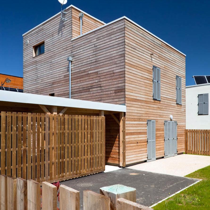 16 maisons locatives qe et passif quartier des merlattes for Architecture 770
