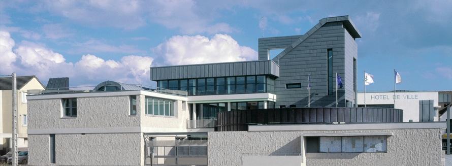 Nouvelle mairie atelierphilippemadec for Jardin de cocagne magny les hameaux